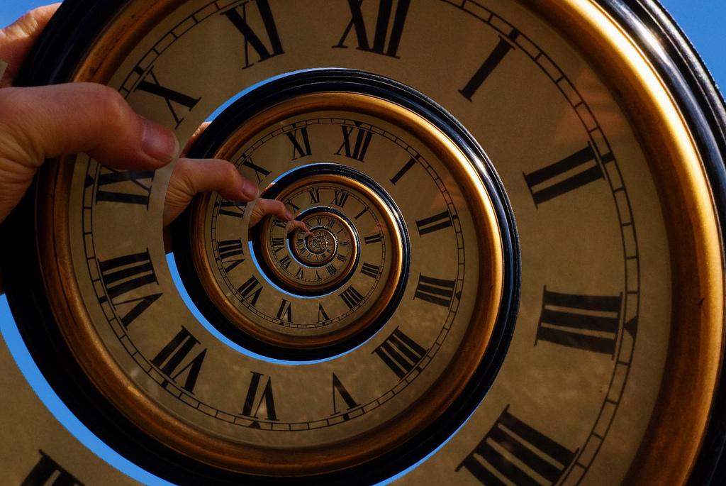 Recursive spiral clocks.